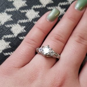 Gorgeous size 7 ring
